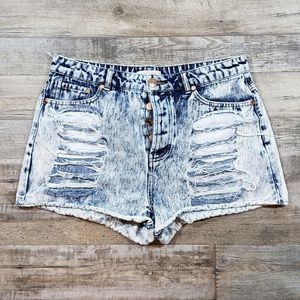 Refuge acid wash destressed shorts size 14